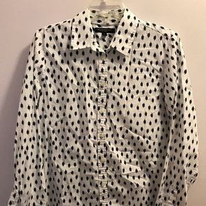 WHITE AND NAVY BLUE BANANA REPUBLIC BUTTON DOWN M